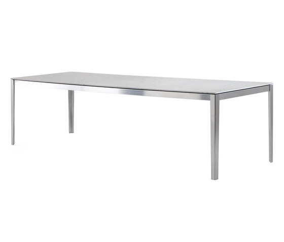 142 Cotone by Cassina | Dining tables