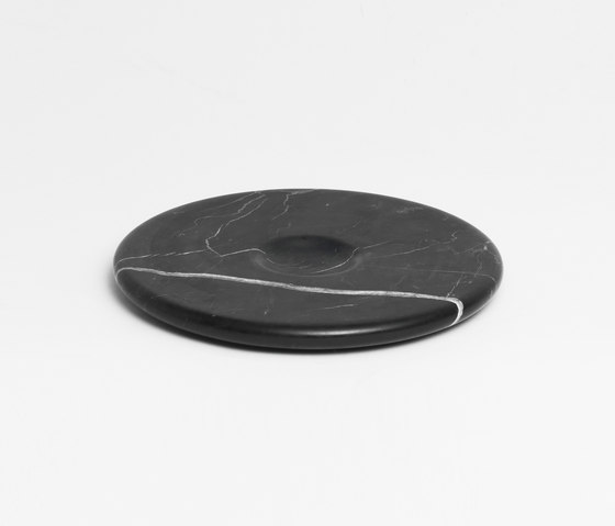 Moon Plate Black by tre product | Dinnerware