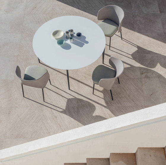 Nude round dining table by Expormim | Dining tables