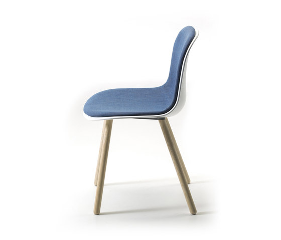 Máni Plastic 4WL by Arrmet srl | Chairs