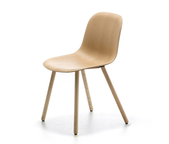 Máni Wood 4WL by Arrmet srl | Chairs