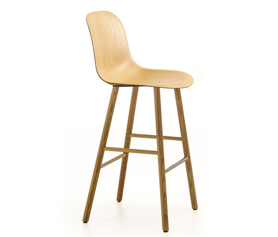 Máni Wood ST-4L PLUS by Arrmet srl   Bar stools
