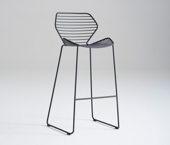 Ginkgo Wire Barstool de Davis Furniture | Taburetes de bar
