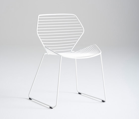 Ginkgo Wire Chair de Davis Furniture | Sillas