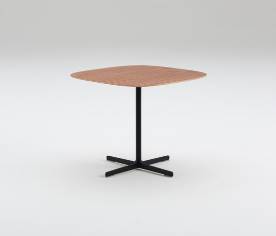Poise de Davis Furniture | Mesas auxiliares