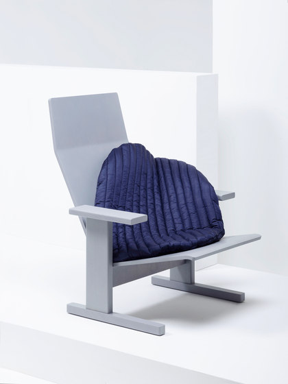 Quindici Lounge with Pillow blue | MC15 by Mattiazzi | Armchairs