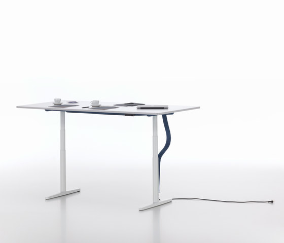 Tyde single tables de Vitra | Mesas contract