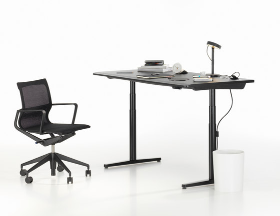 Tyde single tables by Vitra | Contract tables