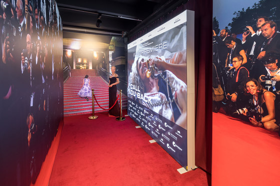 GO | Application Example Red Carpet by Pixlip | Space dividing systems