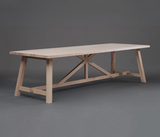 BC 02 Cantina Table by Janua | Restaurant tables