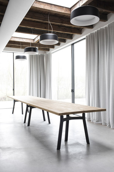 Trestle Table XL di Arco | Cavalletti
