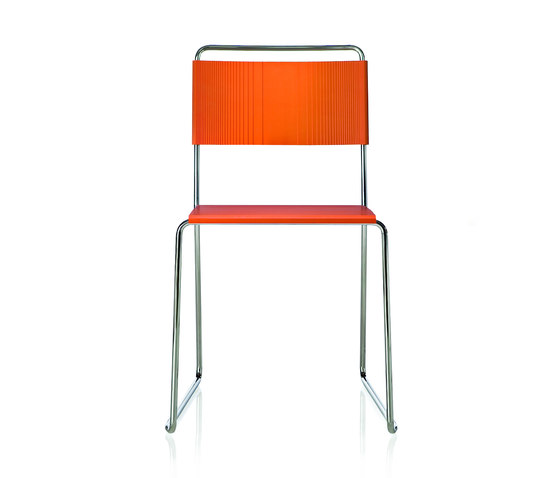 Estrosa Chair by ALMA Design | Chairs
