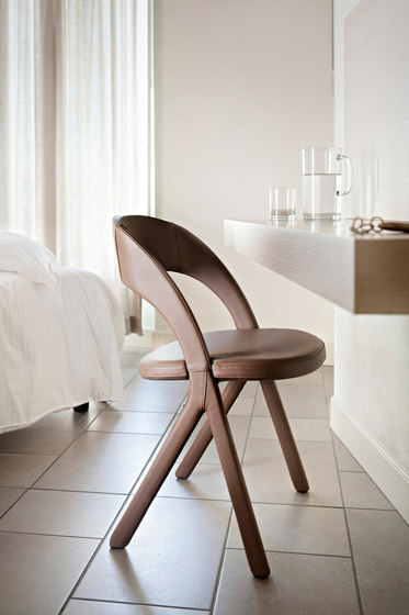 Gesto Chair de ALMA Design | Sillas
