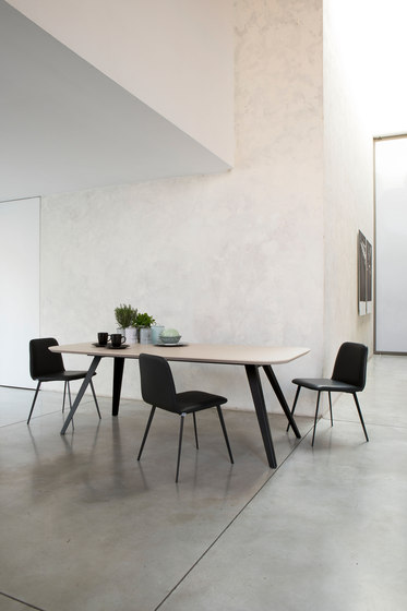 Aky Met table 0094 by Trabà   Dining tables