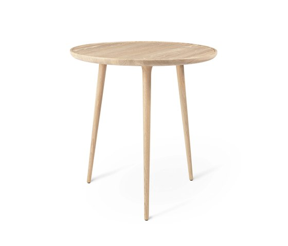 Accent Café Table - Mat Lacquered Oak di Mater | Tavoli bistrò