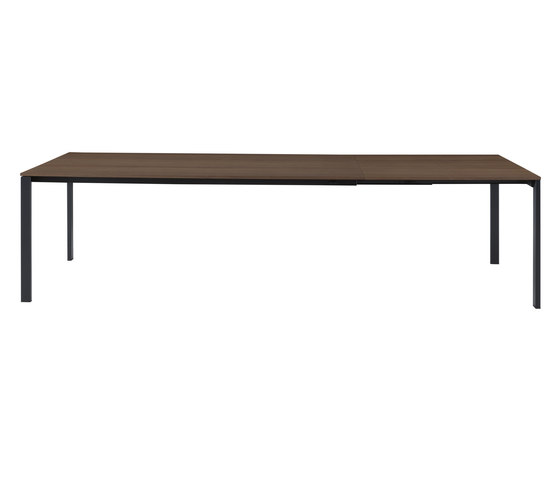 Allungami | Extending Dining Table Walnut Black Lacquered Base by Ligne Roset | Dining tables