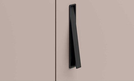 Apm02 Handle / Easy Hinged Door de Former | Tiradores de puerta