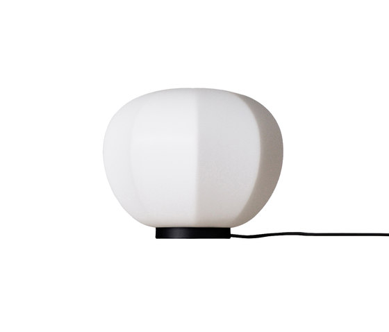 Persimon table lamp de Fogia | Luminaires de table