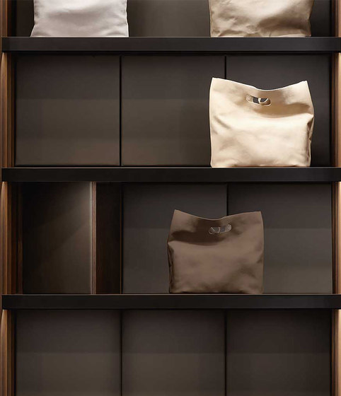 Fittings Classic - Bags Showcase by Former | Storage boxes