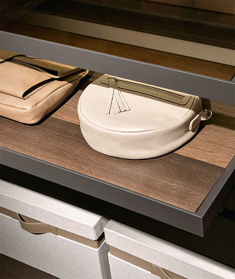 Pull-Out Tray by Former | Shelving