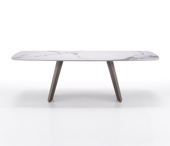 Opera by Ronda design | Dining tables