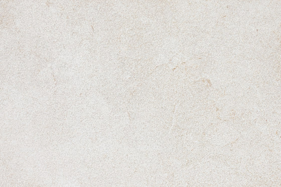 Crema Marfil Coto Abujardado detalle de LEVANTINA | Panneaux en pierre naturelle