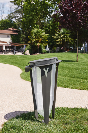 Vigilante Urban Trash Sorting Bin by TF URBAN | Waste baskets