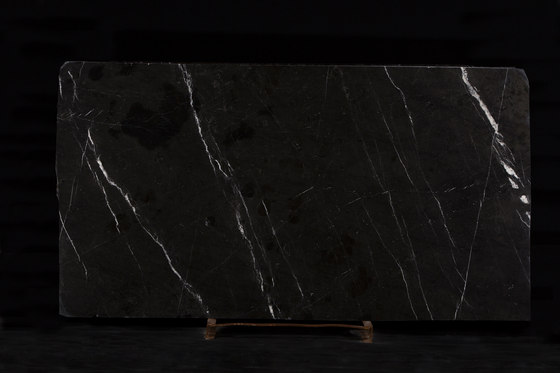 Royal Black by LEVANTINA | Natural stone panels