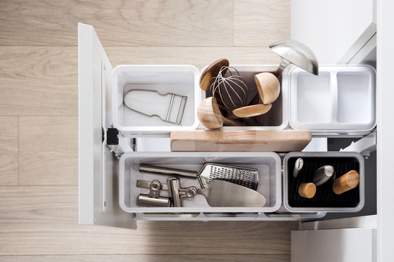 Junior Base Unit Pull-out by peka-system | Kitchen organization