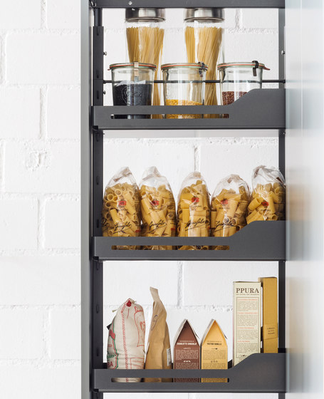 Standard Hochschrank Larder Pull-out by peka-system | Kitchen organization