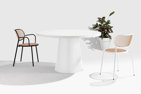 Dial Table - Cone Base de DesignByThem | Mesas comedor