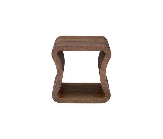 One Shape | Tavolino Laterale Per Divano Noce Americano di Ligne Roset | Tavolini alti