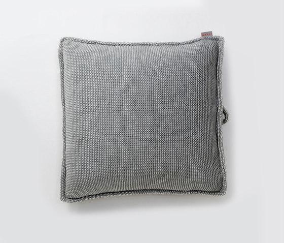 Accessories | Site Soft Checks Outdoor cushion von Warli | Kissen