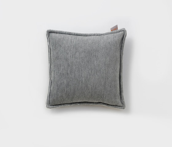 Accessories | Site Soft Checks Outdoor cushion de Warli | Coussins