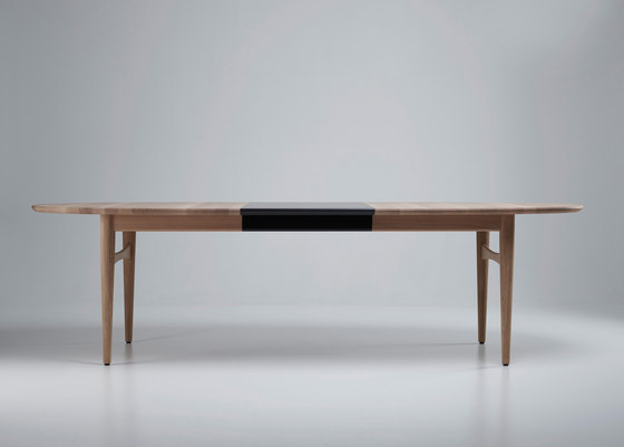 Øya by Eikund | Dining tables