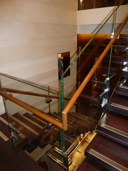 Polished Stainless Steel Stairs de YDF | Sistemas de escalera
