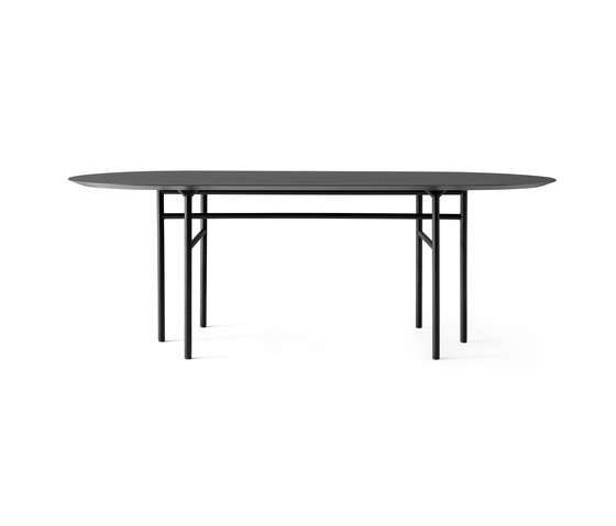 Snaregade Dining Table | Oval Black/ Charcoal de MENU | Tables de repas