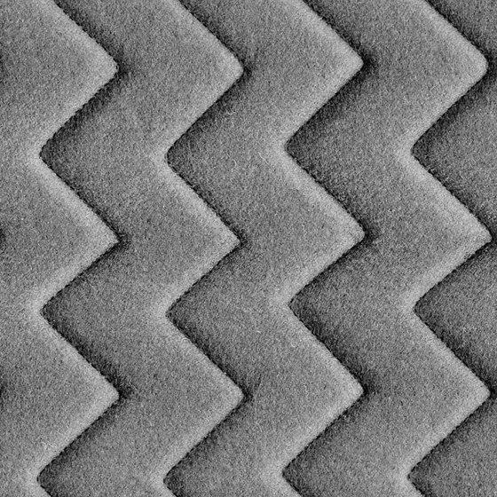 Synergy Quilt Chevron Chemistry di Camira Fabrics | Tessuti imbottiti