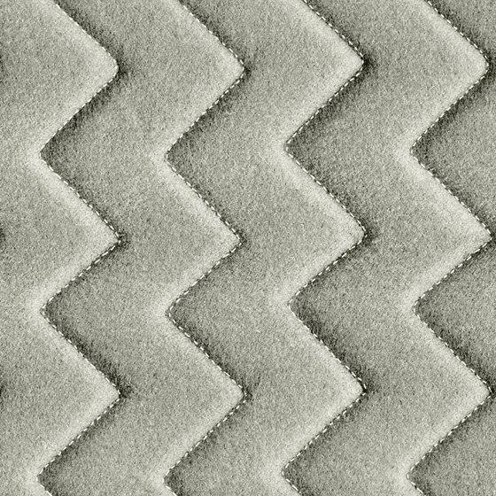 Synergy Quilt Chevron Serendipity di Camira Fabrics | Tessuti imbottiti
