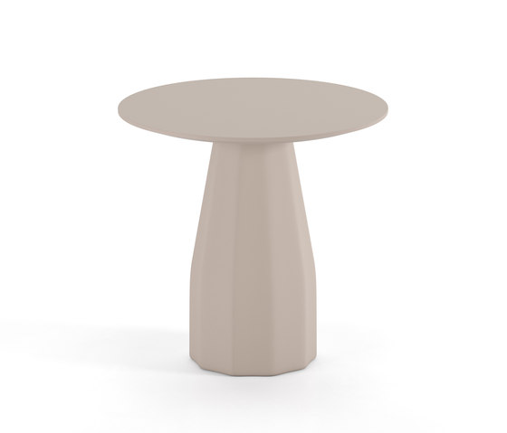 Burin Round 80 by viccarbe | Bistro tables