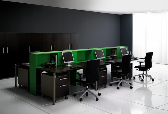 Layer Operative Desking System de Guialmi | Tables collectivités
