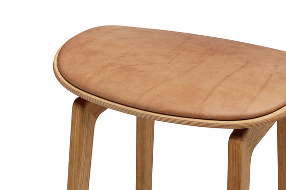 NY11 Bar Chair, Natural - Vintage Leather Camel, High 75 cm de NORR11 | Taburetes de bar