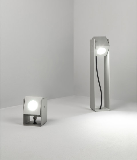 Cube XL | Tower 40cm 40° natural anodized by Dexter | Outdoor wall lights