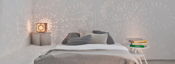 Hexa Flos De Lux de Sacrea | Lámparas de sobremesa