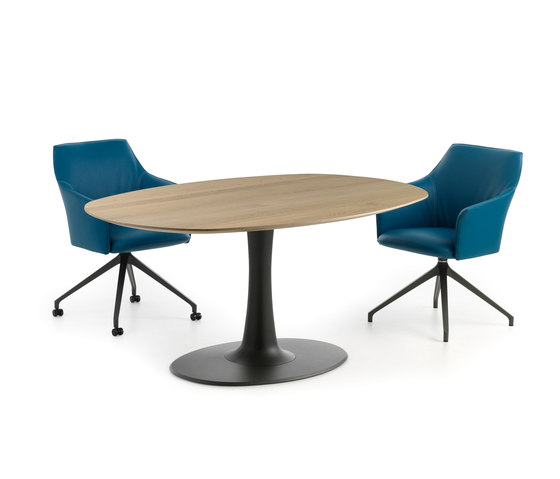 LX627 by Leolux LX | Dining tables