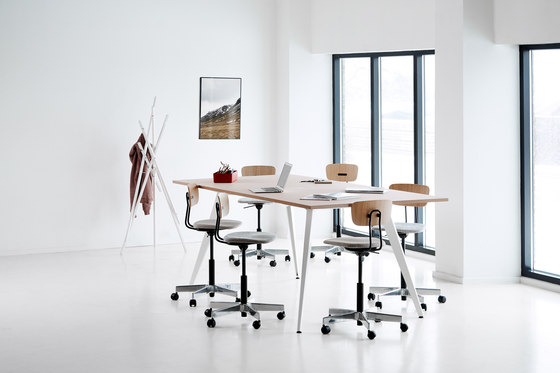 Cabale High by Holmris B8 | Standing tables