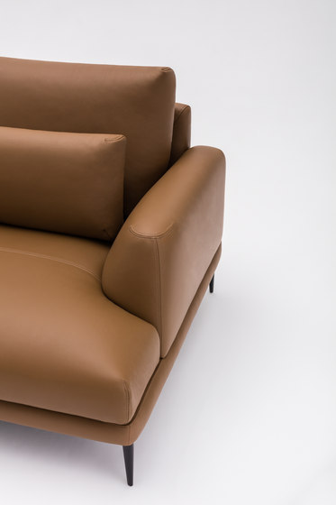 Classic in leather von Comforty | Sofas