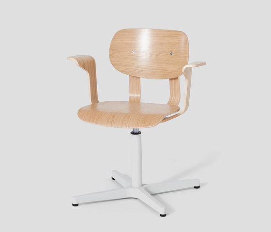 HD Chair With Arms by VG&P | Chairs