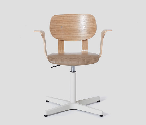 HD Chair With Arms de VG&P | Sillas