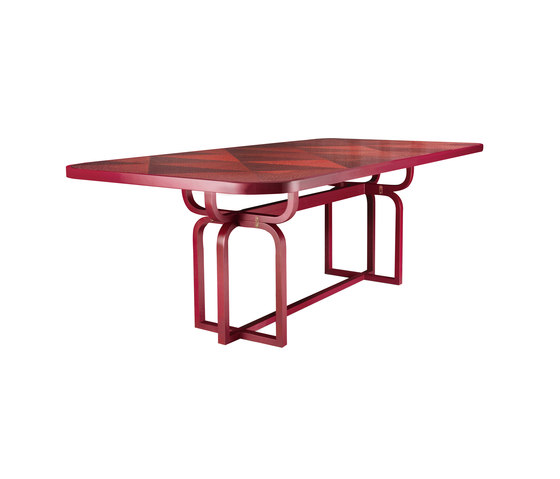 Caryllon Dining Table von WIENER GTV DESIGN | Esstische